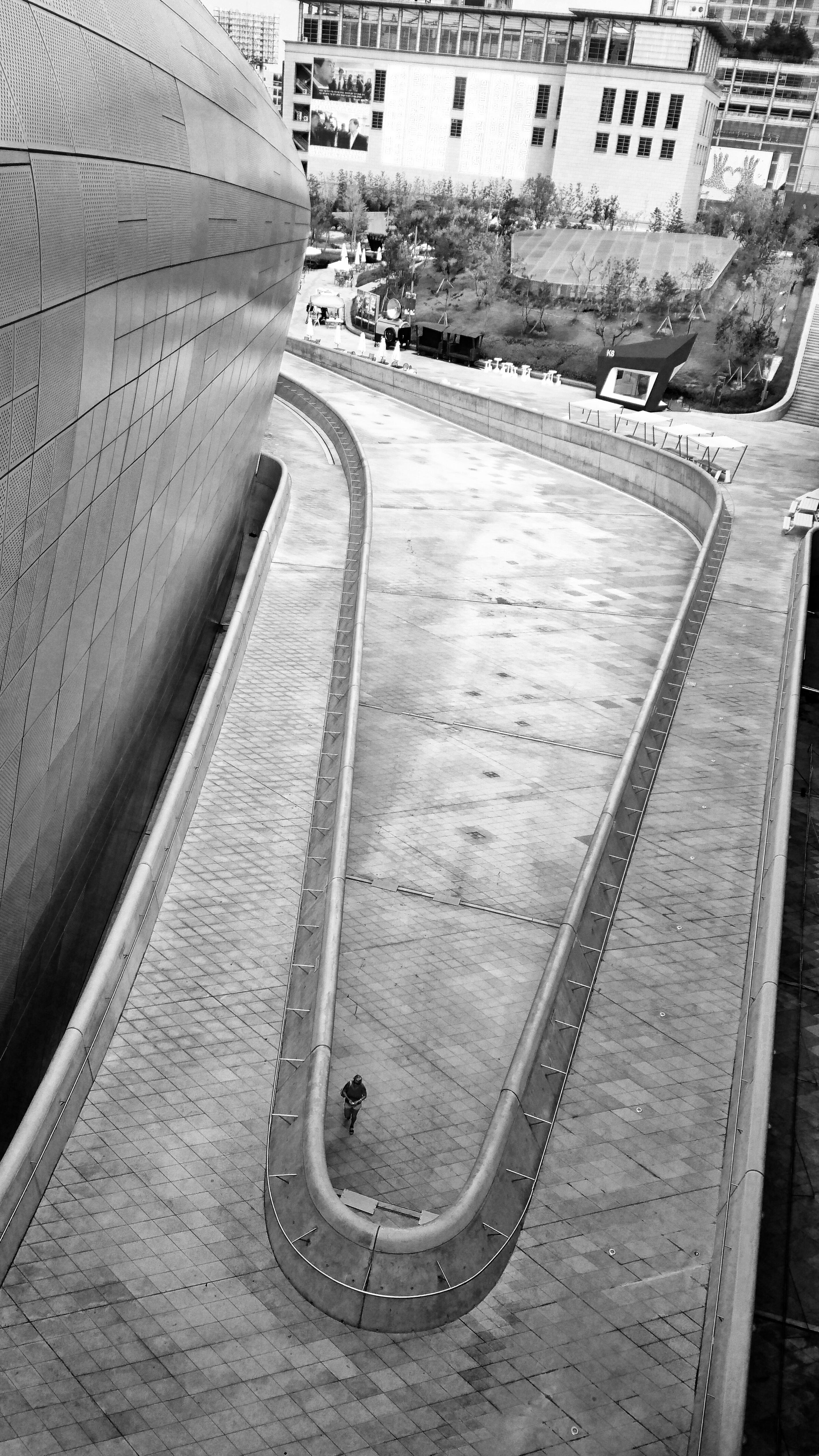 Dongdaemun Design Plaza. (Sony Xperia Z5)